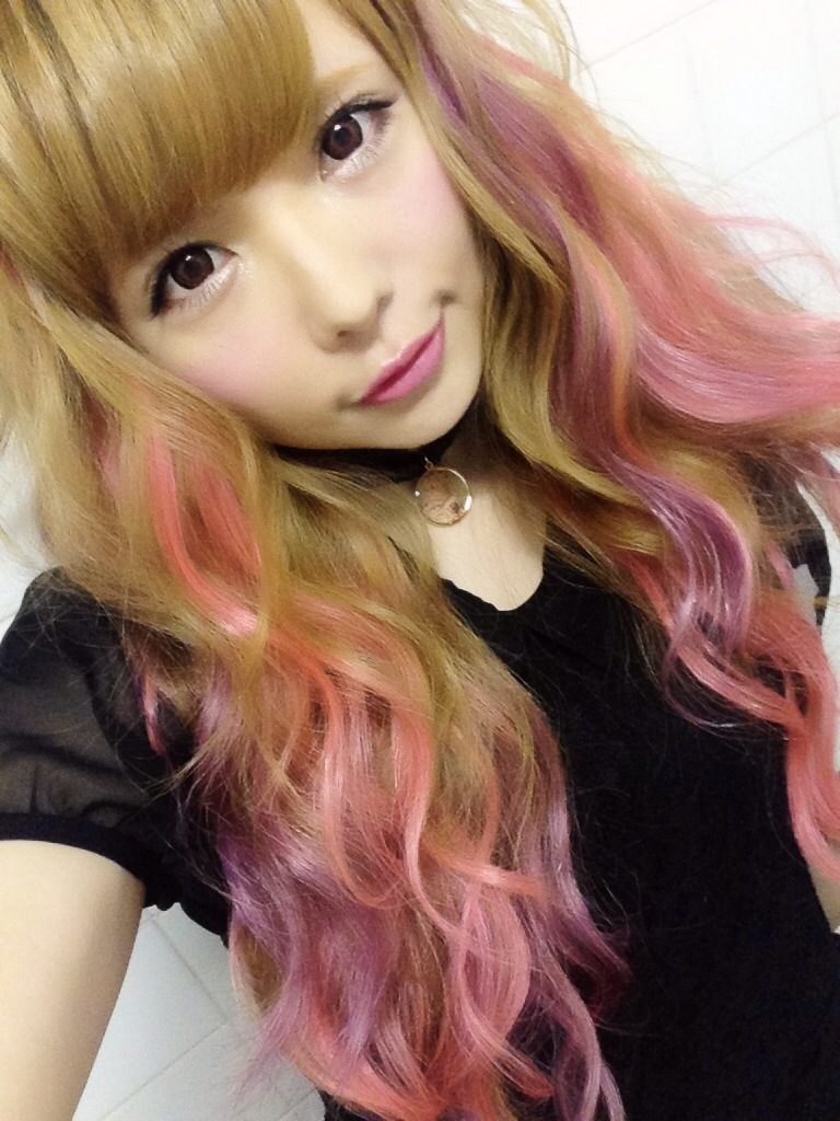 Go Back > Images For > Pink Highlights In Brown Hair
