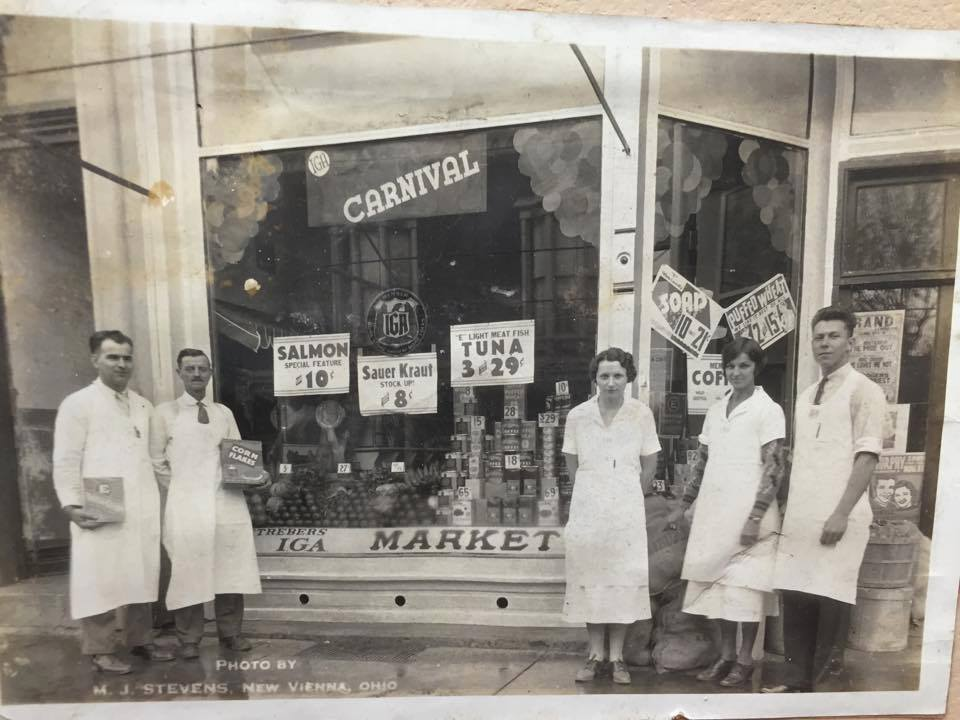 Strebers Market Main St New Vienna Ohio 1934 Pictured Left To Right Gleason Streber Ed Turner Martha Bernard Jane Archie Rawlinson