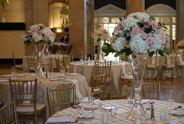 Saratoga Hall of Springs Large Table Centerpiece - Splendid Stems Event Florals