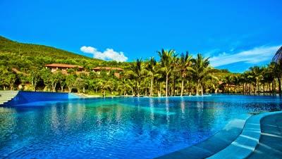 Bể bơi tại Vinpearl Land