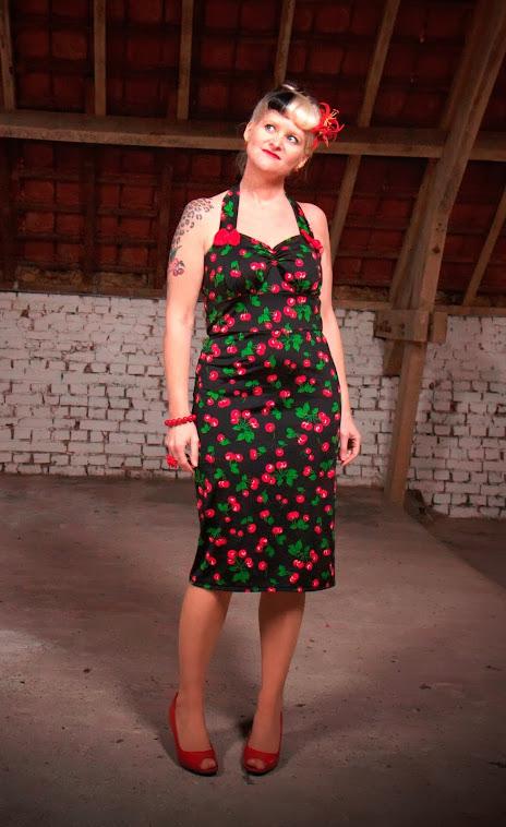 Cherry pin-up wiggle dress