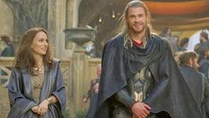 Natalie Portman y Chris Hemsworth en Thor: El mundo oscuro