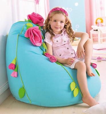 Asientos puff para jugar y decorar el dormitorio de una for Asientos para ninos