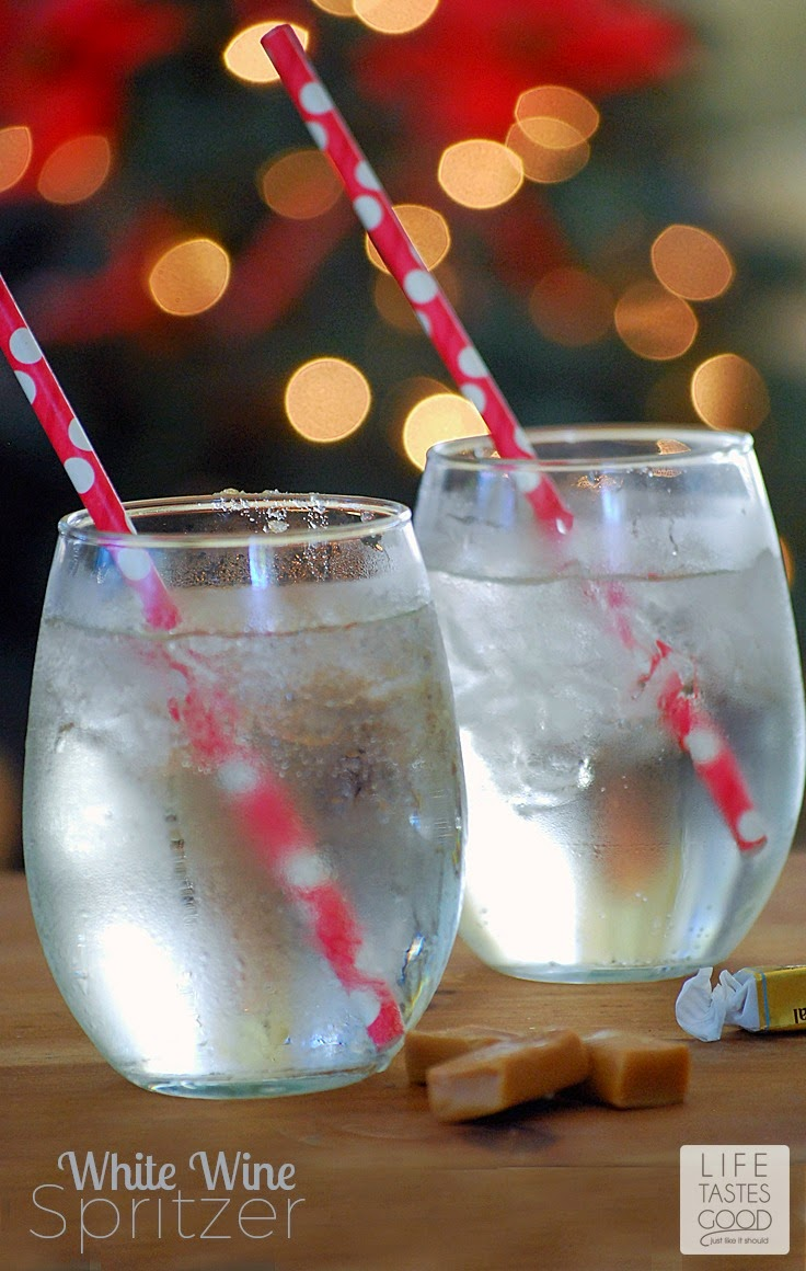 Do you know how to make a wine spritzer? If you are hosting a party it is a must! Wine Spritzers are refreshing, taste great, and stretch your budget. I'll show you how easy it is to make a Refreshing White Wine Sprtizer. #MingleNMix #ad
