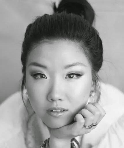 Jinna Yang \\ House of DVF