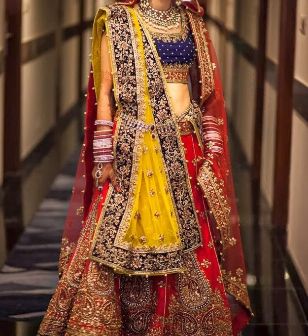 Bride with beautiful Waistband (Kardhani or Kamarband)