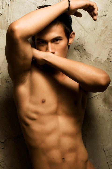 Hot Bagus Ade Putra