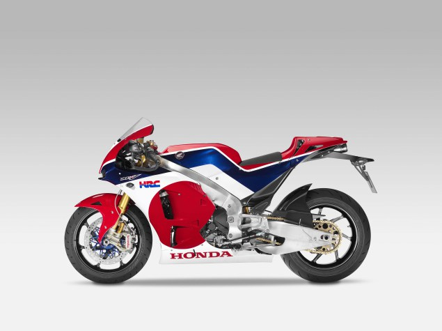 Honda RC213V-S . . . inilah MotoGP versi produksi masal !