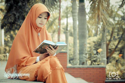 Gambar foto Wanita Solehah
