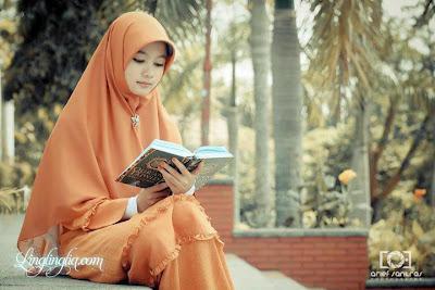 Gambar foto Wanita Solehah