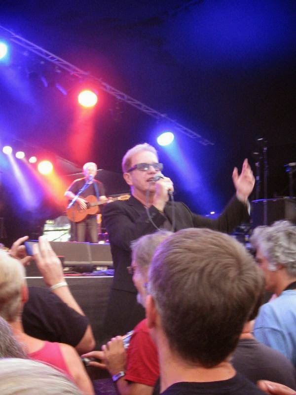Oysterband frontman