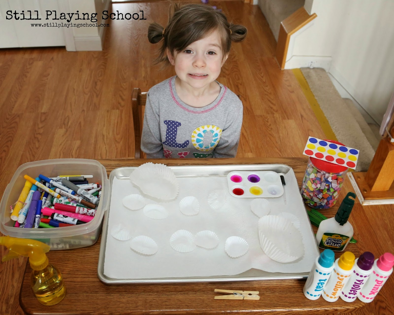 cupcake liner flower craft fine motor art for kids preschool art table t69 art