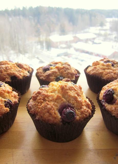 Mustikkamuffinit – Blueberry Muffins