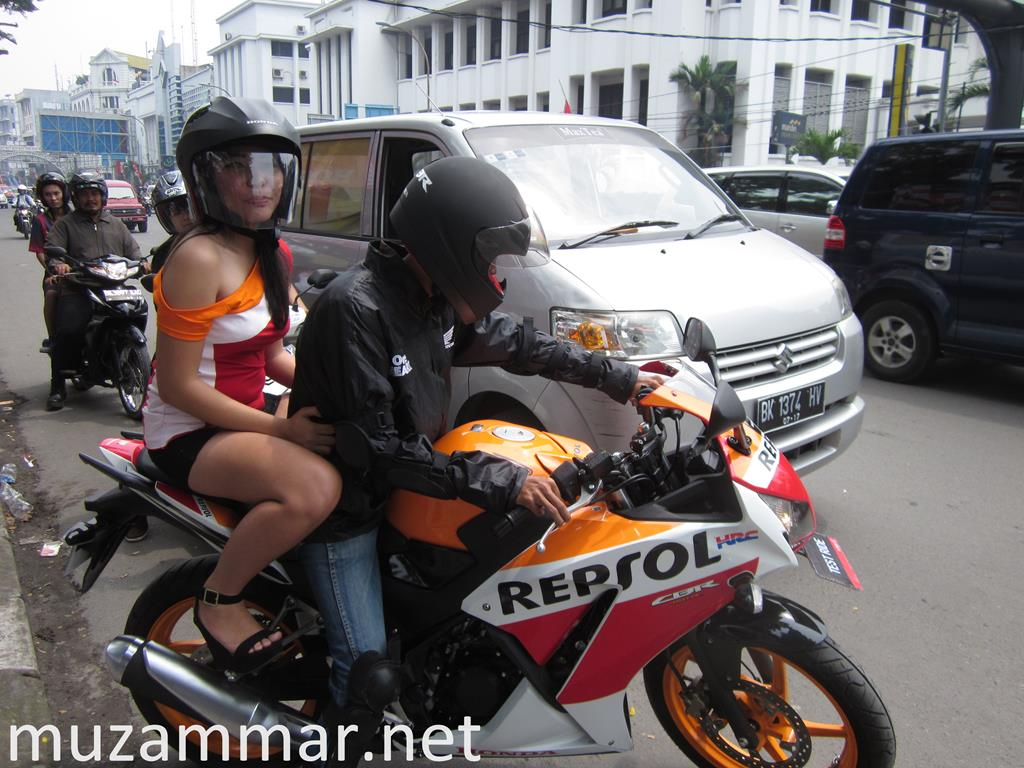 Test ride All New Honda CBR 150R . . . lebih enak main di RPM tinggi !
