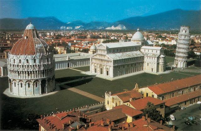 Campo dei Miracoli en Pisa, Italia