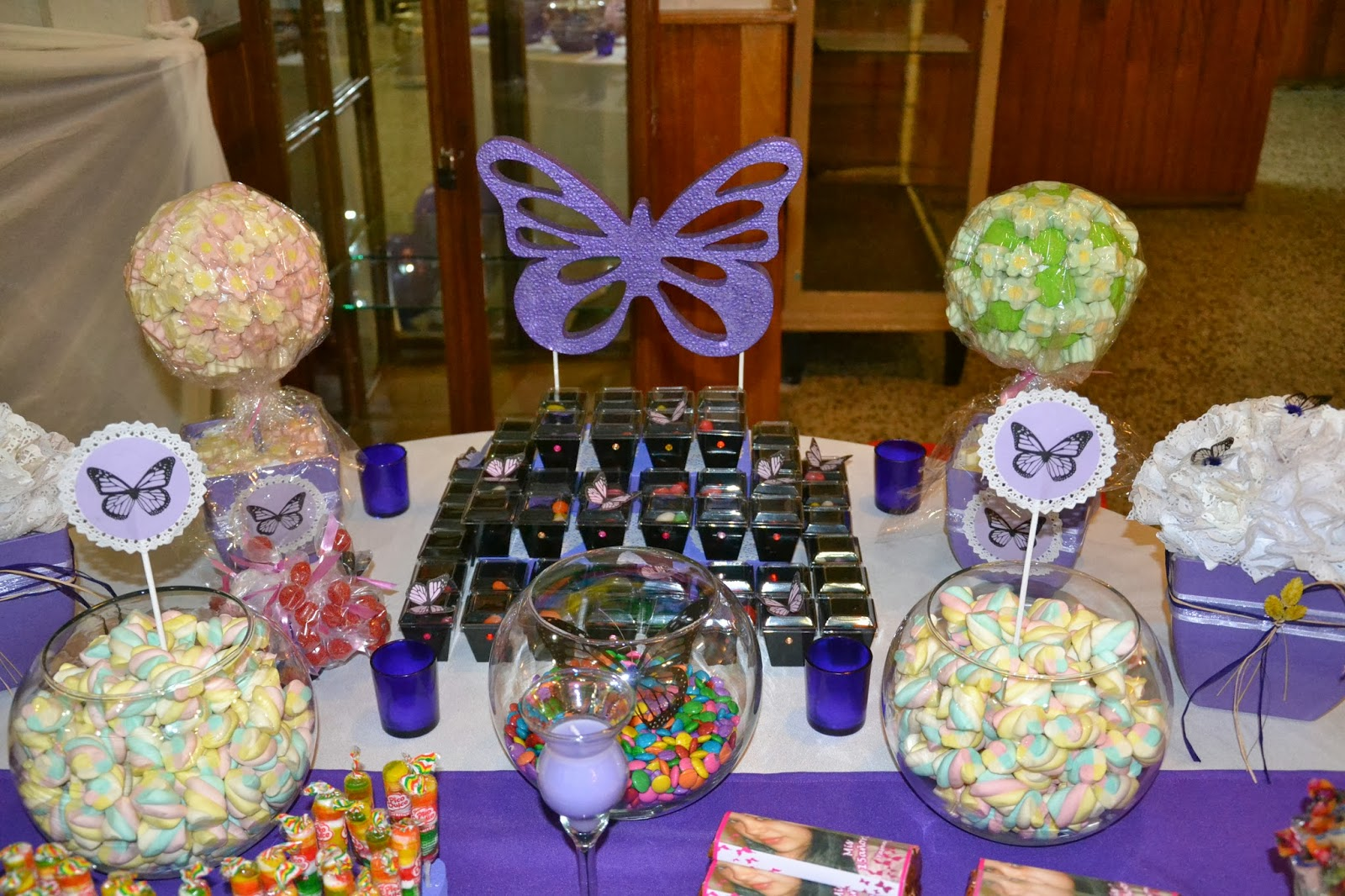 Olivais mariposas 15 a os yasm n for Decoracion para 15 anos 2016