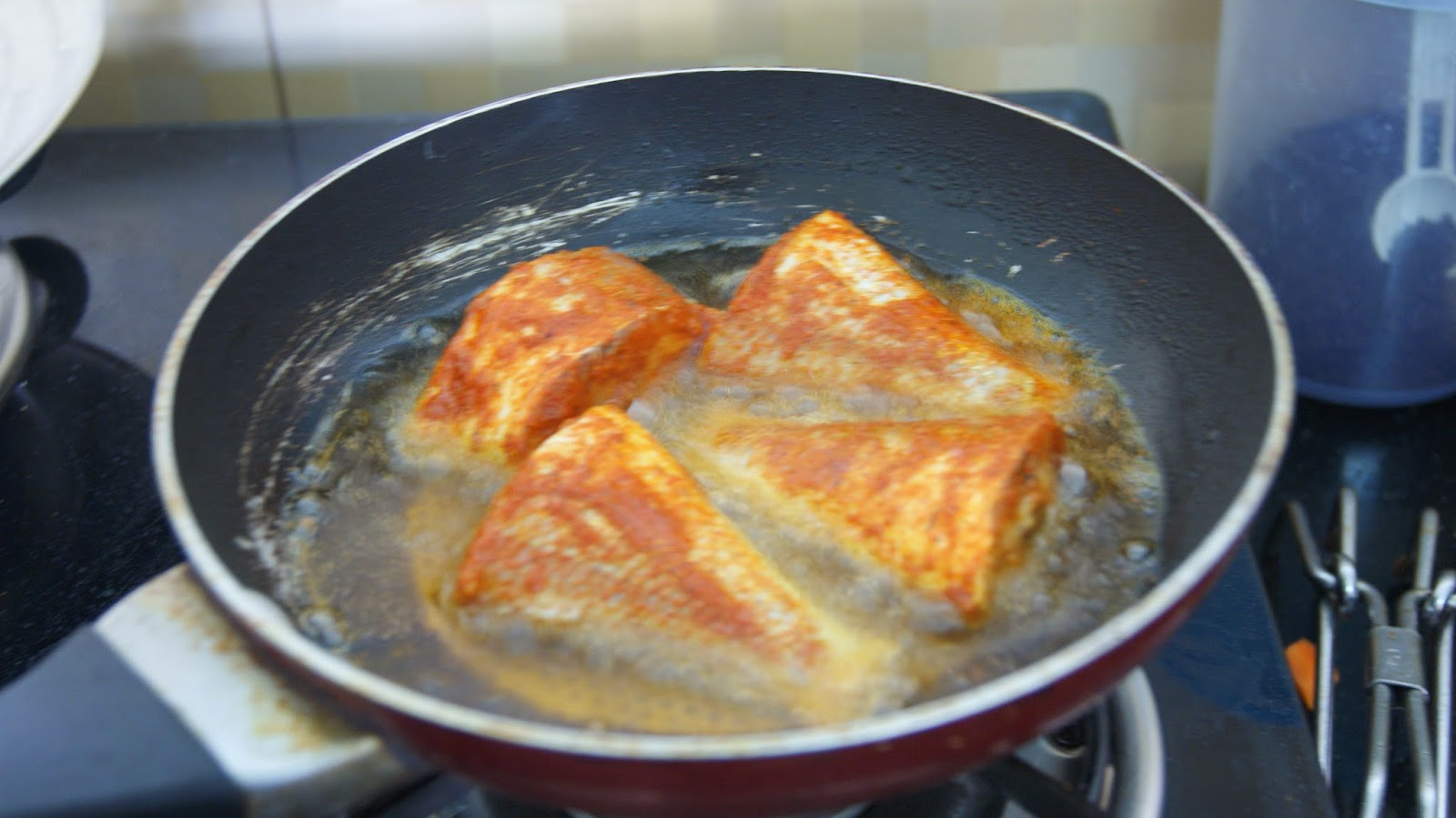 Always hungry pan fried fish for Best oil for frying fish