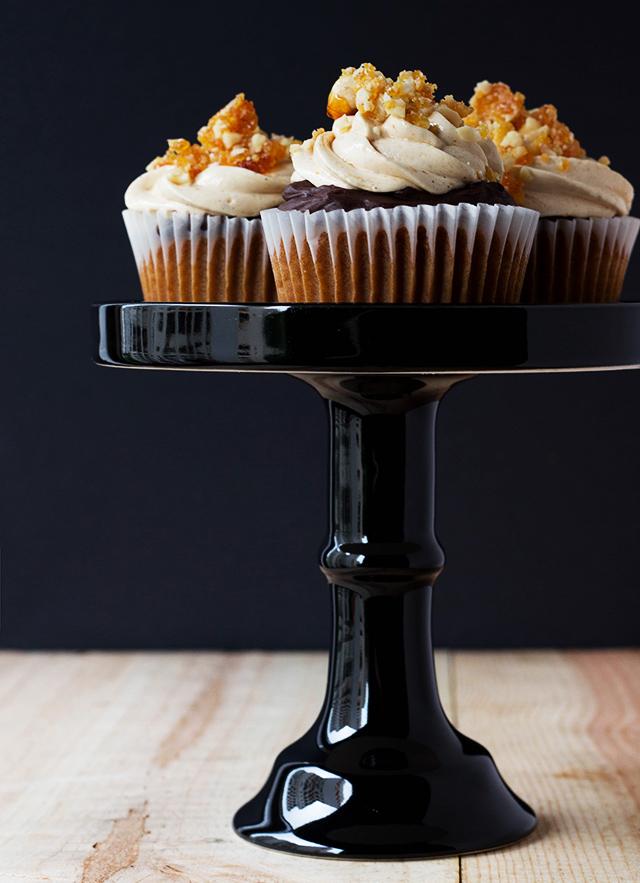 Hazelnut Praline Cupcakes