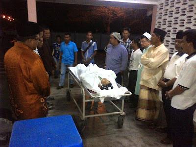 Calon BN Dun Selinsing yang juga Ketua Pemuda Umno Bagan Serai Saudara