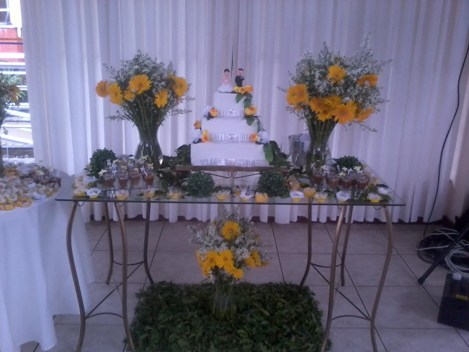 BUFFET PETRA Decoração Casamento  Amarelo e Branco