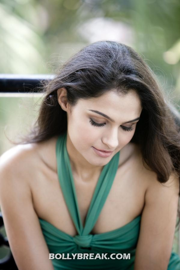 Andrea Jeremiah green dress - Andrea Jeremiah Hot Photo Gallery 2012