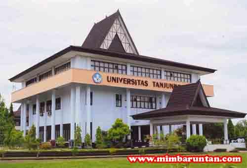 Gedung Rektorat Universitas Tanjungpura Pontianak.  Foto Hak Cipta Mimba Untan