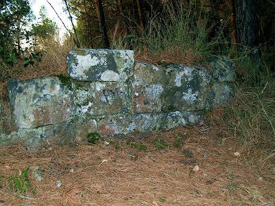 Restes de les antigues muralles del Castell de Gaià