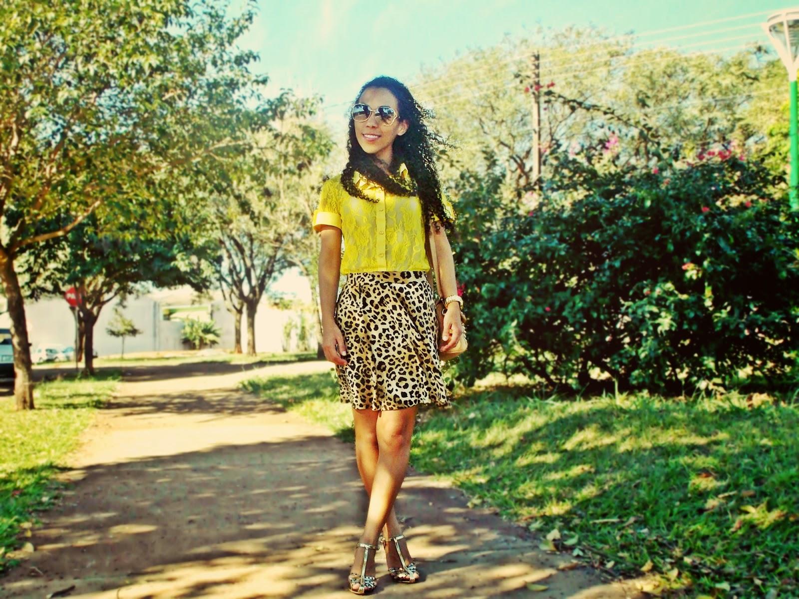 look verão, saia de oncinha, saia rodada, camisa de renda, camisa amarela, gleikka