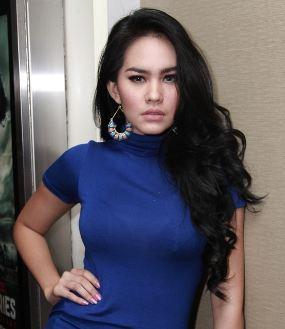 Foto Seksi Kartika Putri Hot