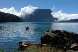 Misteri Orang Pendek Di Danau Gunung Tujuh
