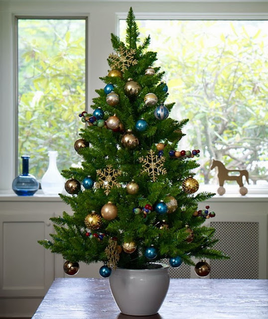Green Christmas Tree Decoration With