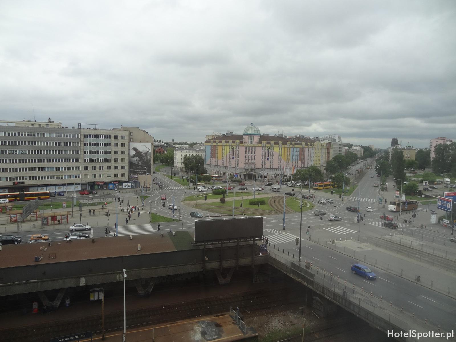 Campanile Varsovie Warszawa - widok z okna trainspotting