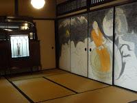 美術館入口にはアールヌーボーの作品と長浜市の画家の襖絵が展示していた
