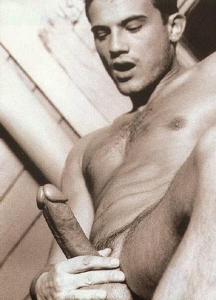 Порно фото порно актера хакан сербест