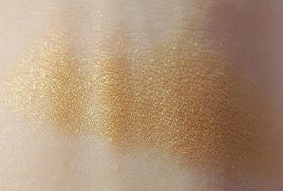 MAC Hey, Sailor! Eye Shadow in Barefoot Swatch