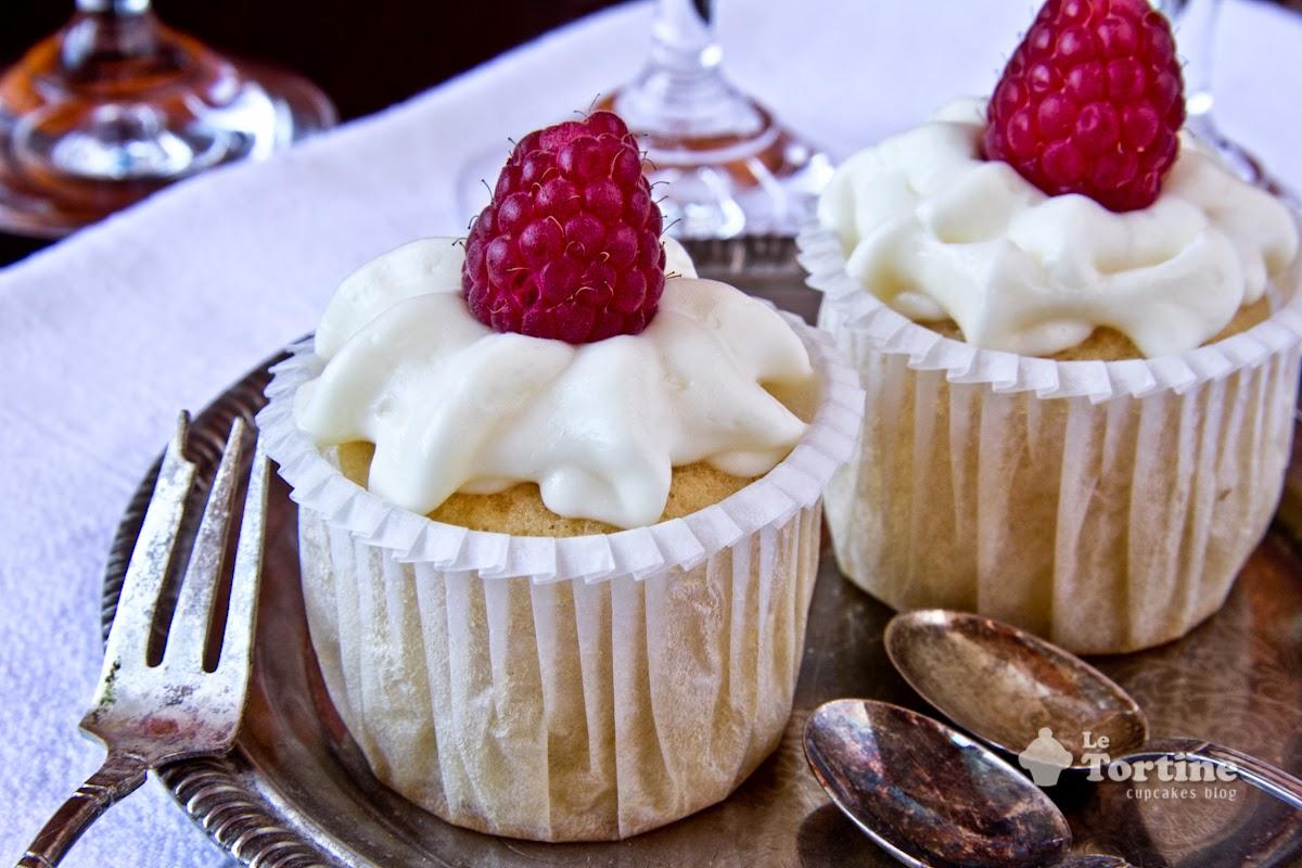 mini cupcakes al cioccolato bianco e lampone