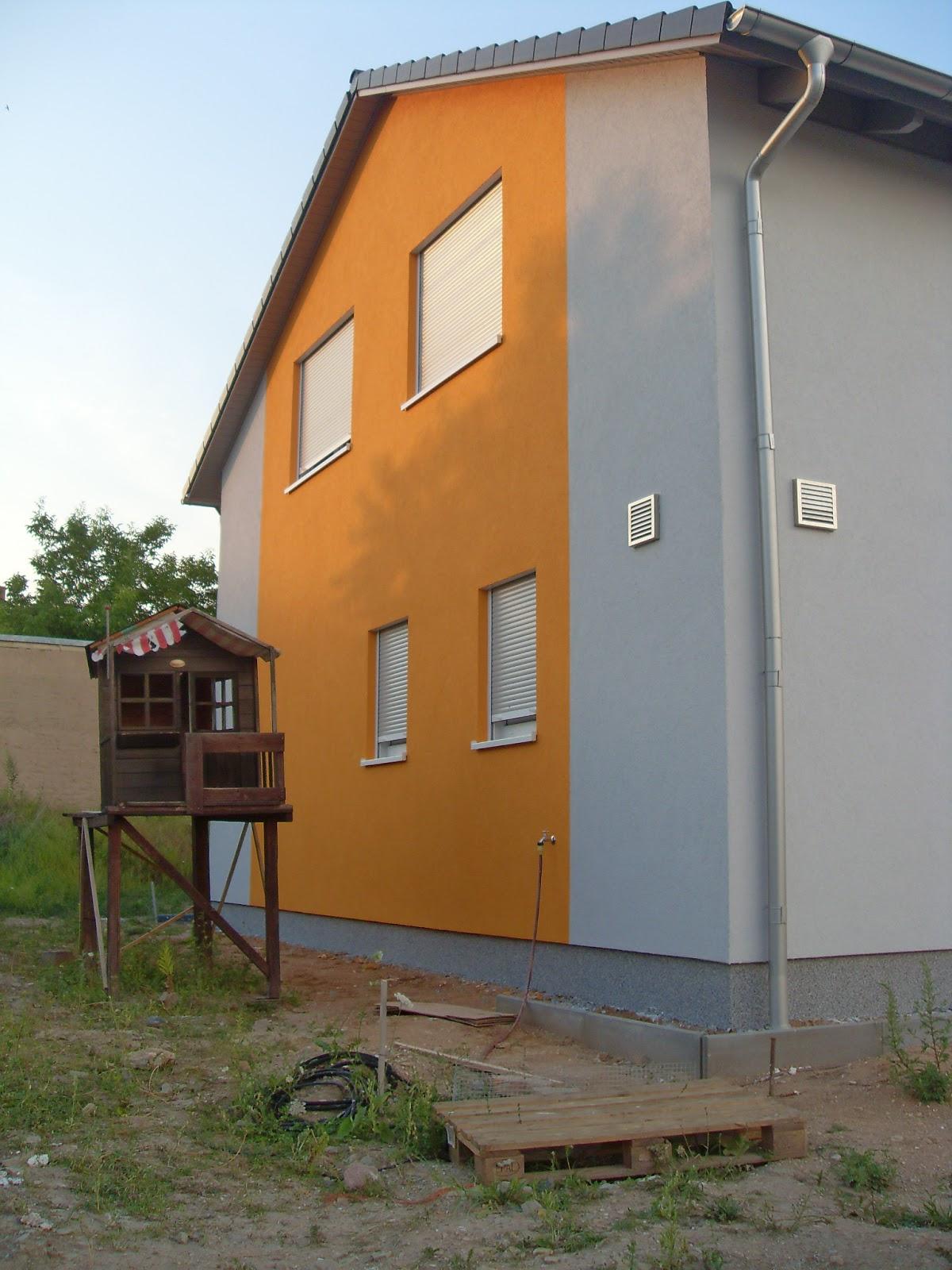 Fassadengestaltung einfamilienhaus grau orange  Ein Haus für Mensch, Hund, Katze und Maus: Juli 2013