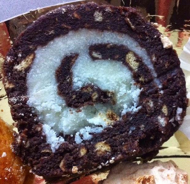 רולדת שוקולד ביסקוויטים וקוקוס