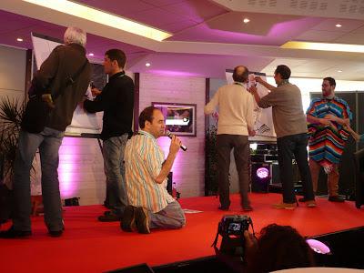 Au Bistro à Bulles avec, de gauche à droite, un type à cheveux blancs, Jean-Marc Borot, Maëster, Jean Mulatier, Charles Da Costa et Thomas Lebeltel