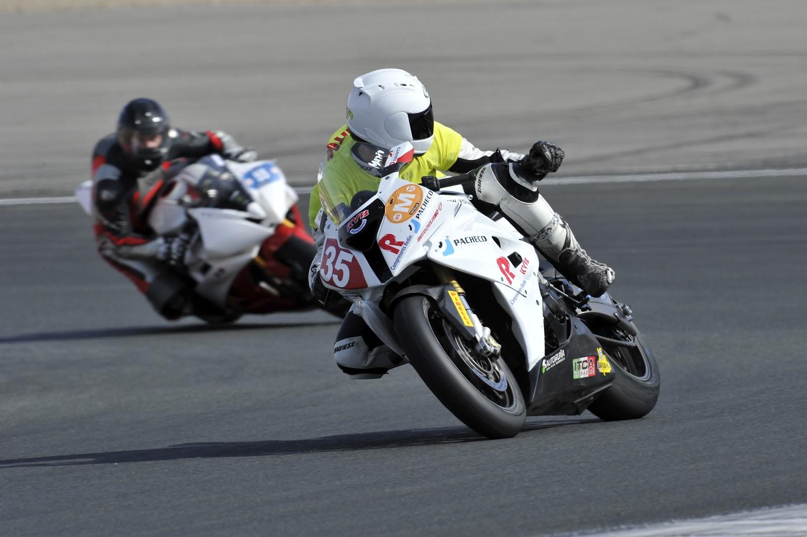 Circuito Los Arcos : Escuela conducción equipo competición tandas dmt en circuito de