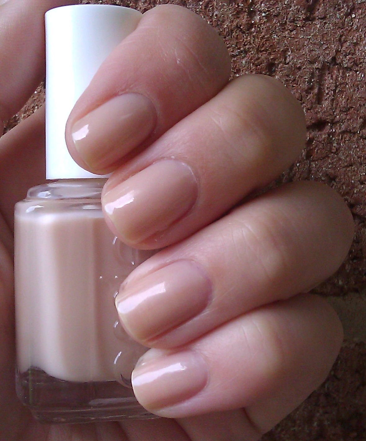 Polish or Perish: A Nude Nail for Red Lips - Essie Sandy Beach