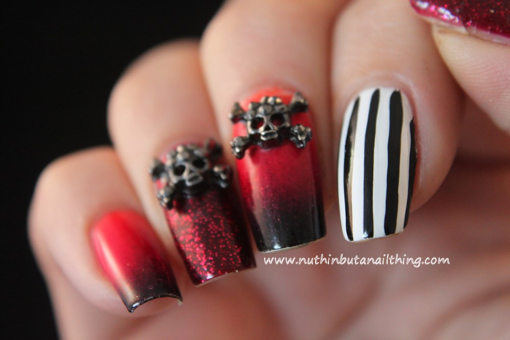 nuthin\' but a nail thing: Skulls and stripes