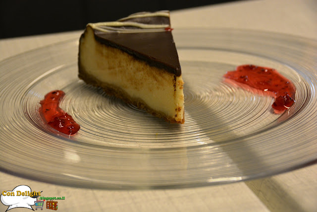 cheesecake with chocolate ganache