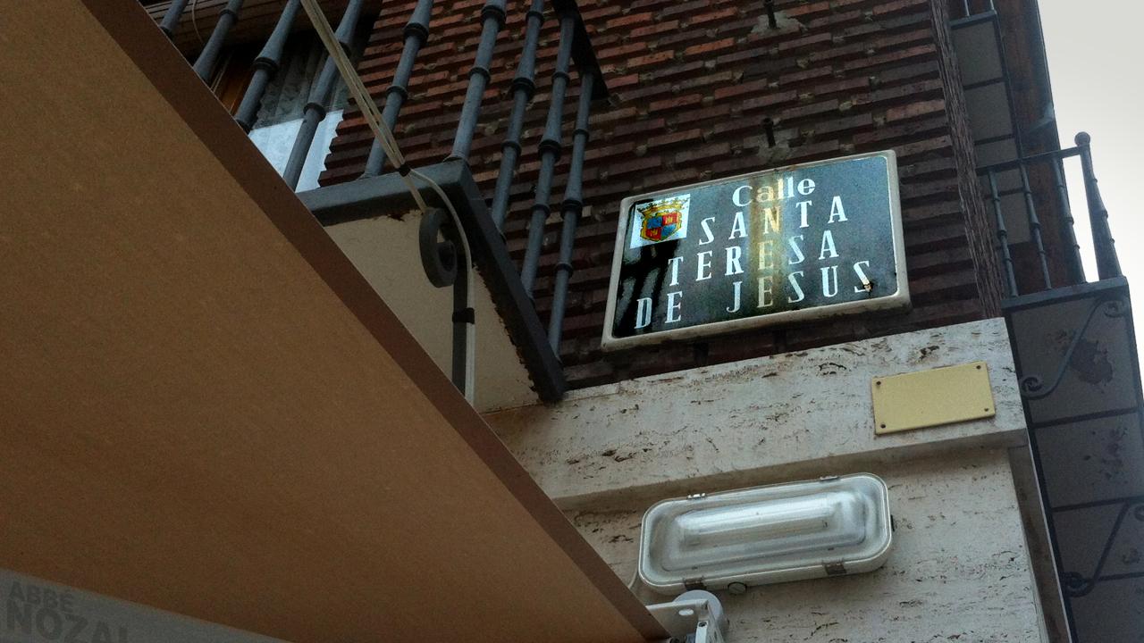 Santa Placa de una Calle, 2014 Abbé Nozal