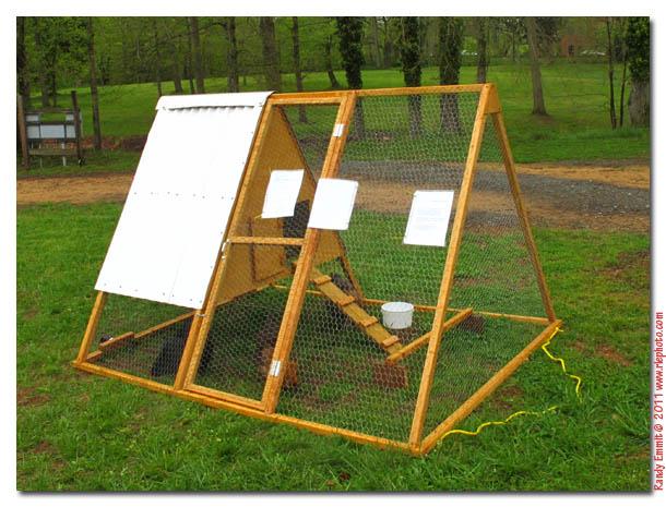 Chcken coop mobile chicken coop plans for Portable coop
