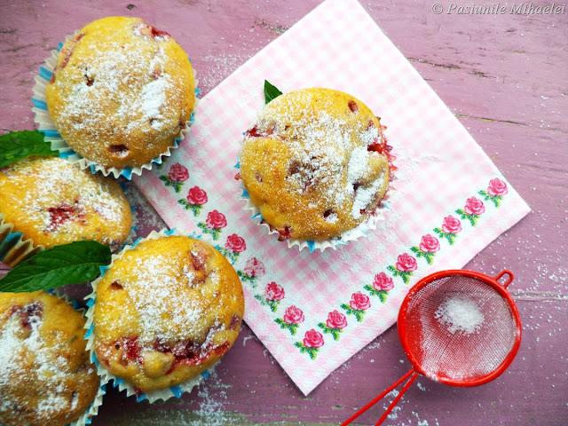 Muffins cu capsuni si menta