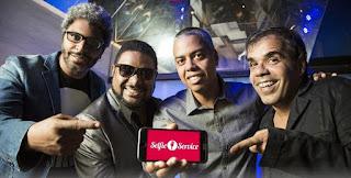 Festa Selfie Service agita o Aqua Bossa Lounge, em Ipanema.