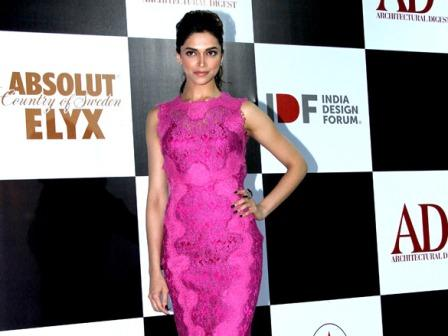 Deepika Padukone in Pink Purple Dolce & Gabbana Dress - Deepika Padukone in Pink Purple Dolce & Gabbana Dress