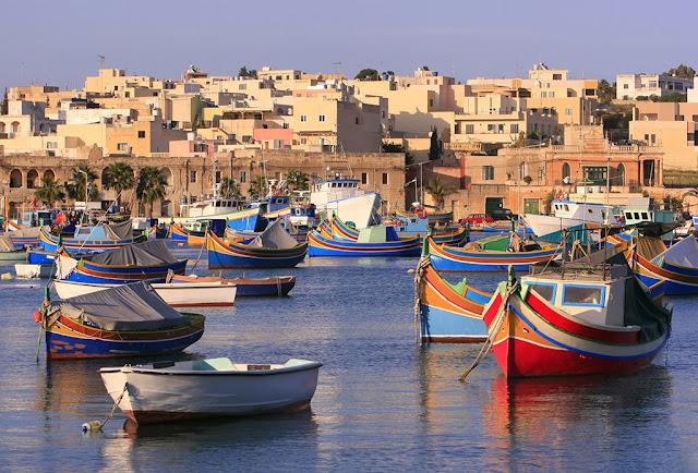 Malta barche luzzu