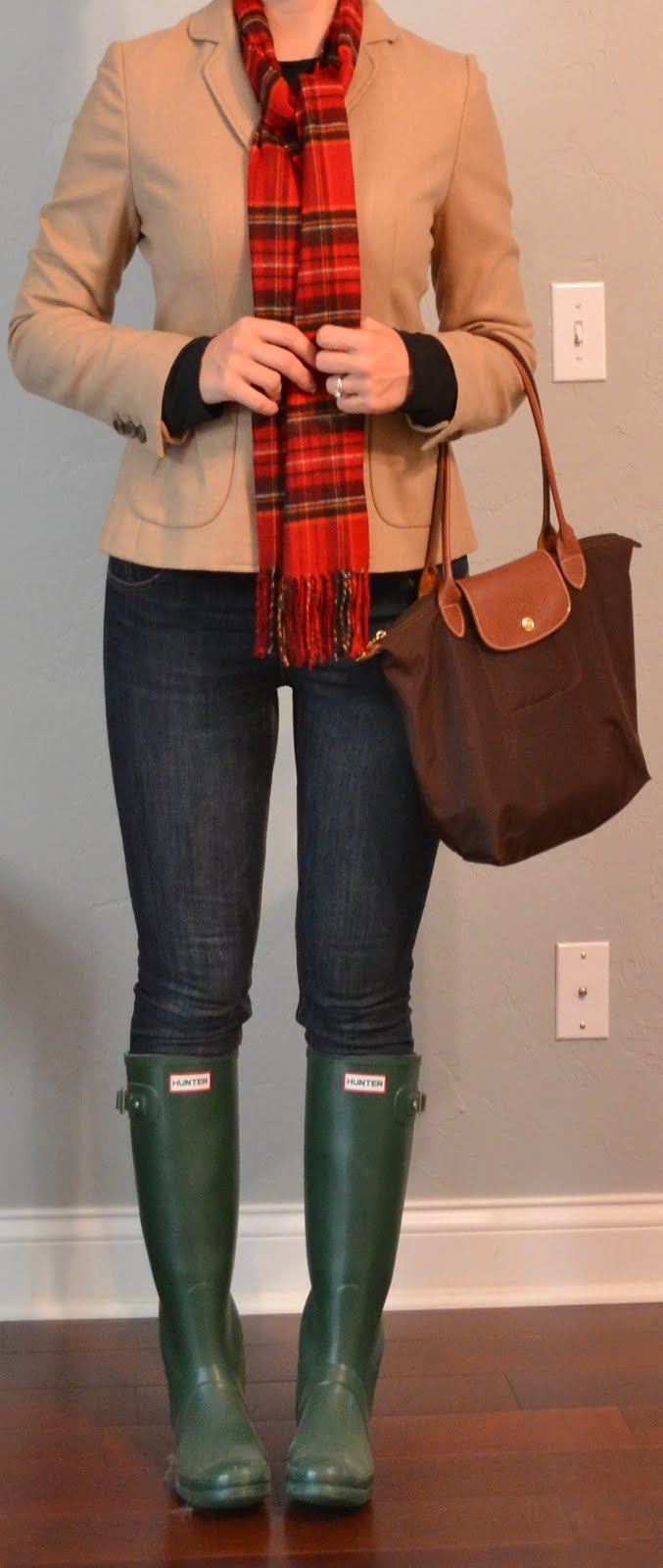 Outfits With Green Hunter Boots Outfit Post Camel Blazer Skinny